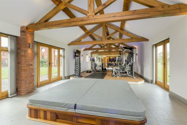 Gymnasium/Spa Room