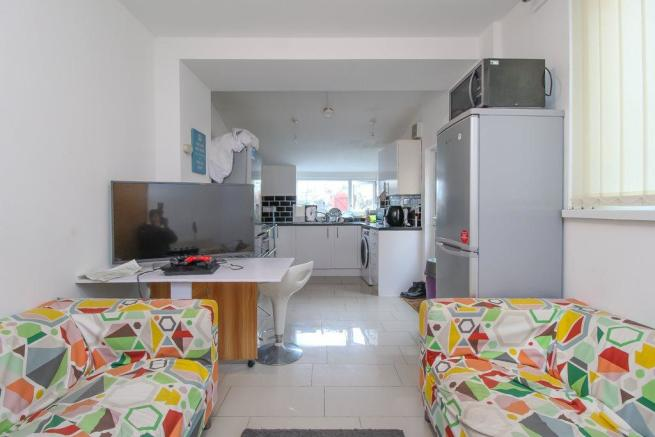 Lounge-Kitchen (2)