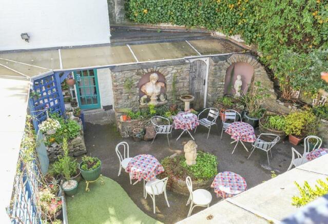 Roof Terrace Garden View 2.jpg