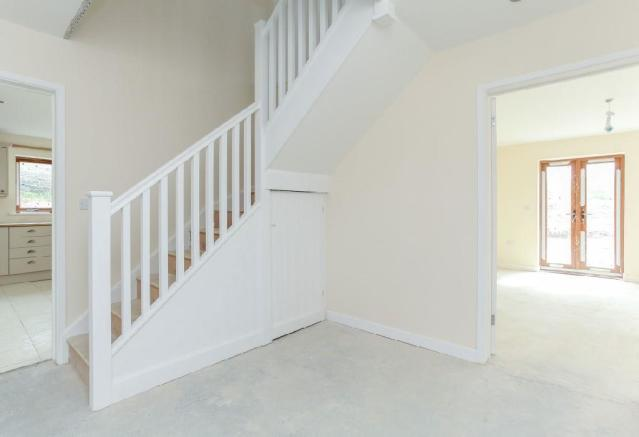 Corner Plot Hallway.