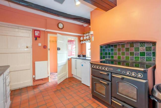 Kitchen 7 Door Open.jpg