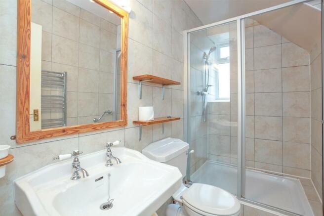 Bedroom 6 En-Suite.jpg