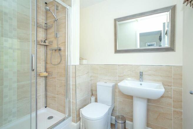 Bedroom 2 En-Suite.jpg