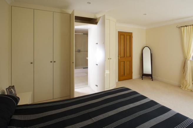 Main Bedroom Ensuite