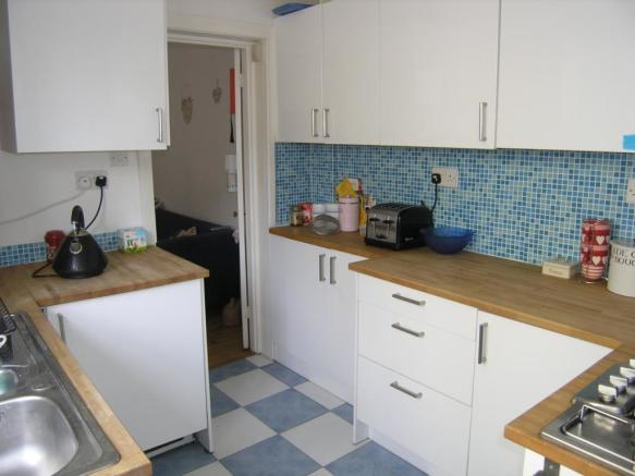 5_Vernon_Close_kitchen.jpg