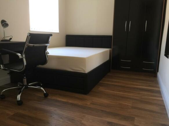 Bedroom 2 - En-Suite.JPG