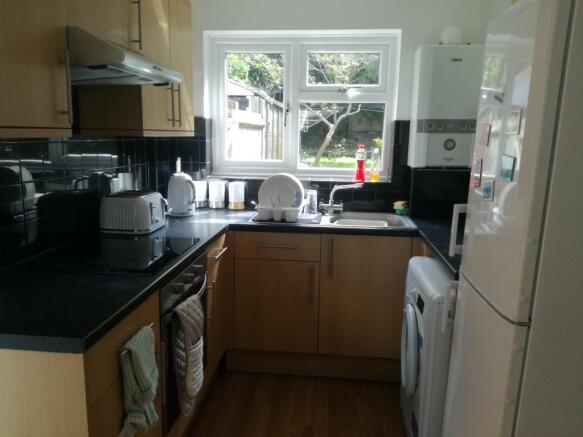 kitchen 8 College Road.jpg