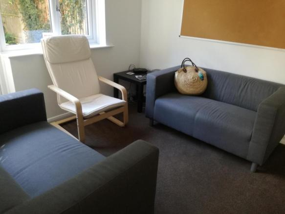 Living room 8 College Road.jpg
