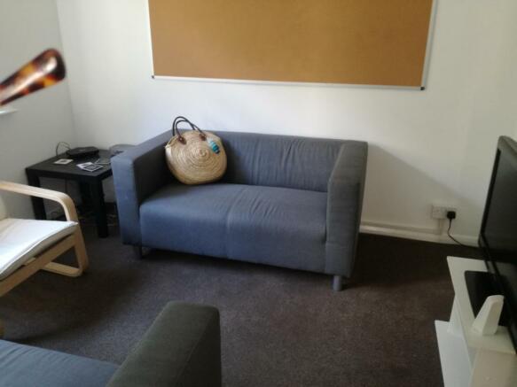 Living room2 8 College Road.jpg