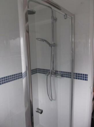 verwood bathroom 008.JPG