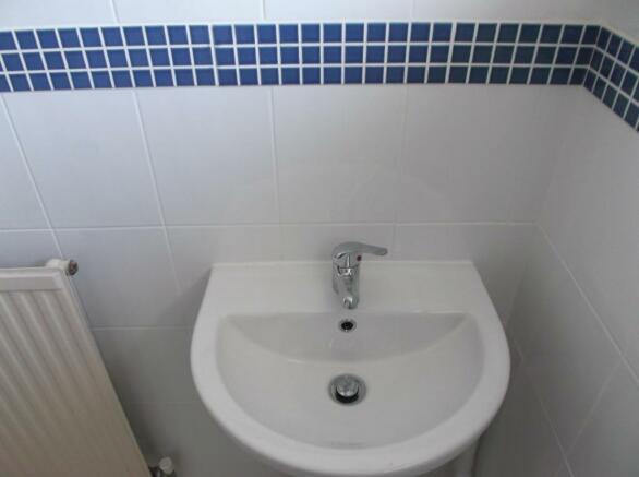 verwood bathroom 012.JPG