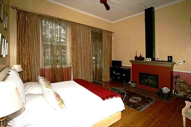 Luxury bedroom 5