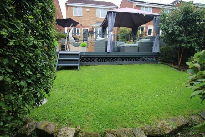 Gardens & Outside