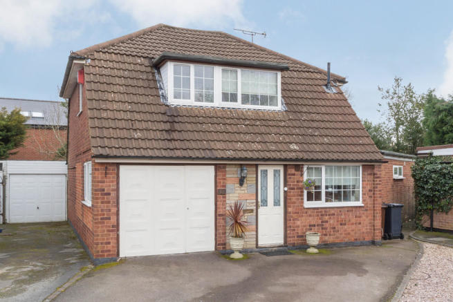 3 Bedroom Detached House For Sale In Bronte Farm Road Shirley