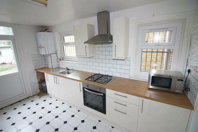 kitchen. (3).jpg