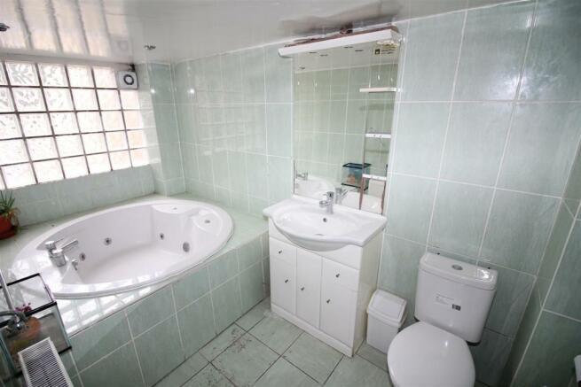 bathroom (17).jpg
