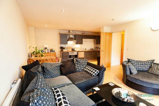 Living Room/ Dine...