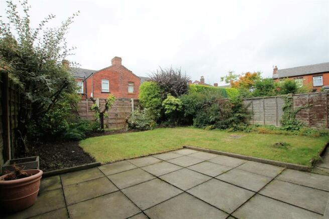 5 Radley Close garden 1.JPG