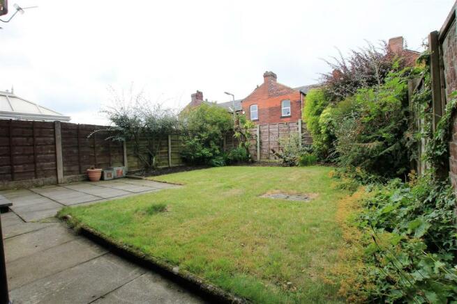 5 Radley Close garden 2.JPG