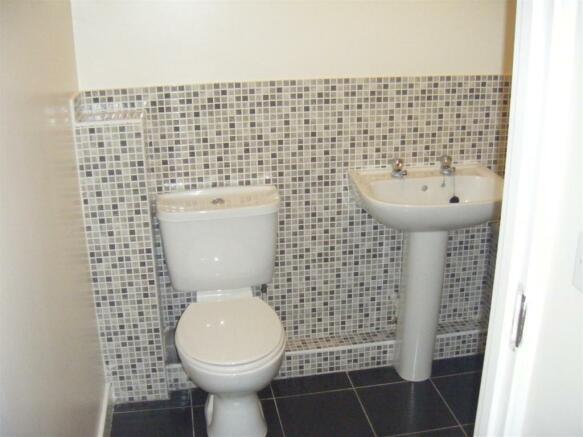 1 Brambel bathroom.JPG