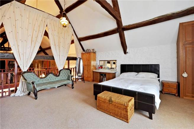 Mezzanine Guest Room