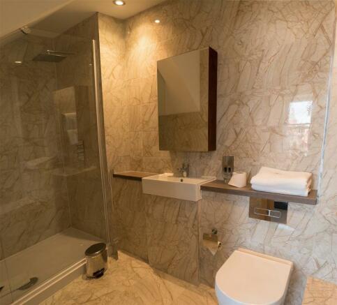 bathroom_pano.jpg