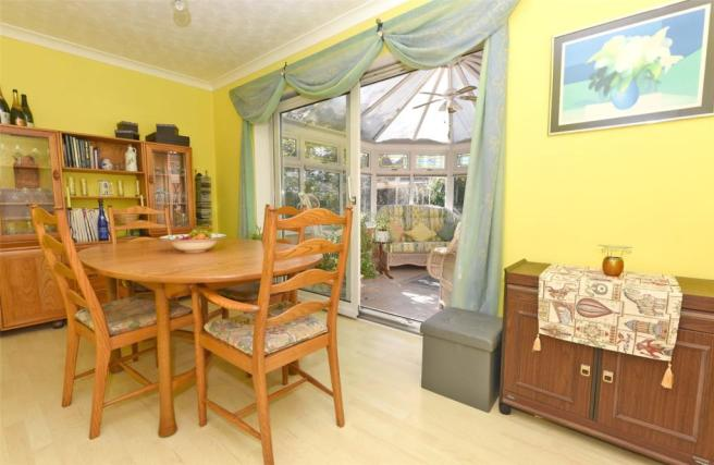 4 Bedroom Detached House For Sale In Chestnut Grove Sprotbrough