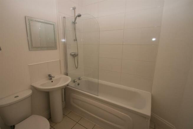 20 Charter Bath2 .JPG