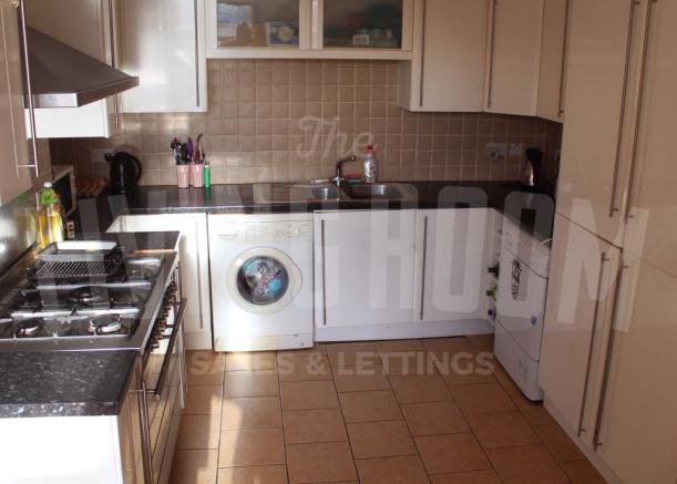 Kitchen Overview (2)
