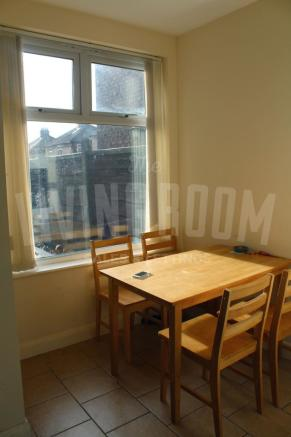 Kitchen Window (2)