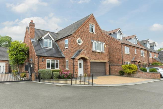 7 Loxley Meadow
