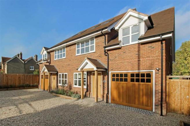 4 Bedroom House For Sale In Flint Mews Chelmsford Road