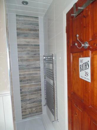 Shower entrance