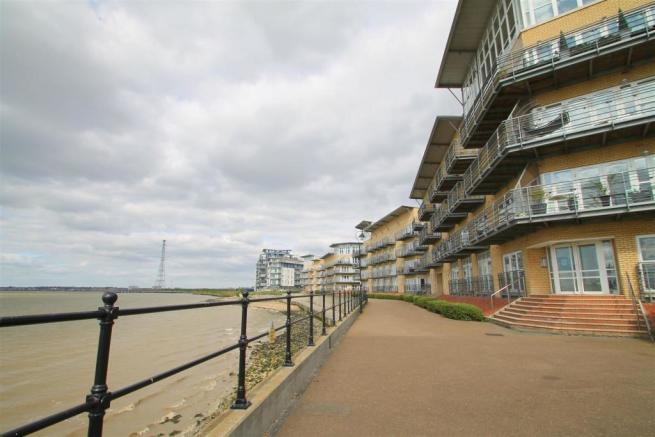 Promenade 1.jpg