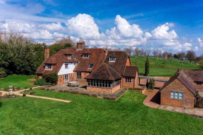 8 Bedroom Farm House For Sale In Bells Yew Green Road Tn3