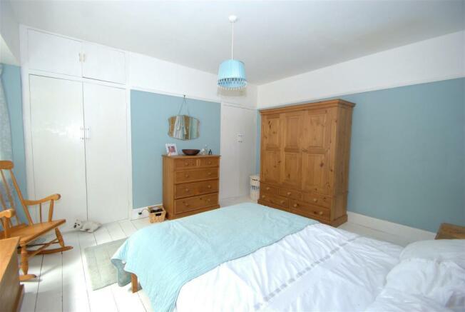 Bedroom 1 B.NEF.jpg