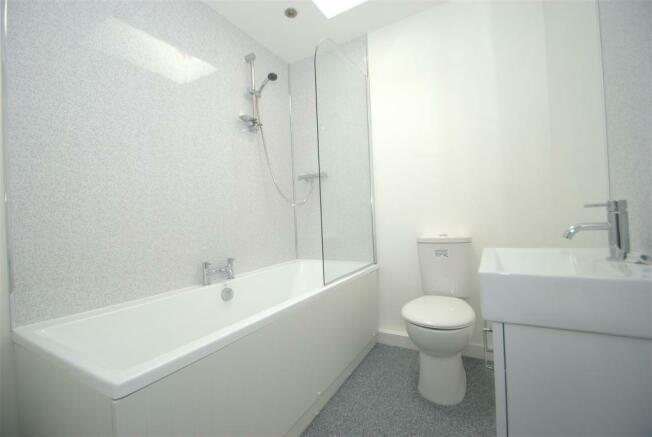 Bathroom A.NEF.jpg