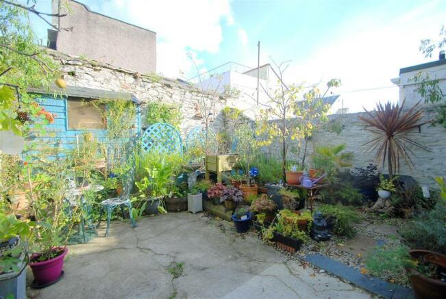 Garden B.JPG