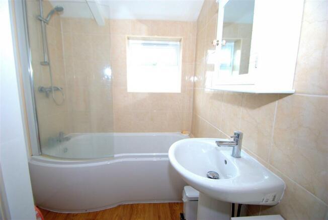 Bathroom.NEF.jpg