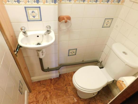 downstairs wc 3 bedroom semi detached house for sale in hampden road harrow ha3