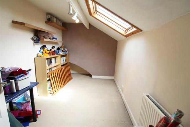 15 oddy street bedroom 3.jpg