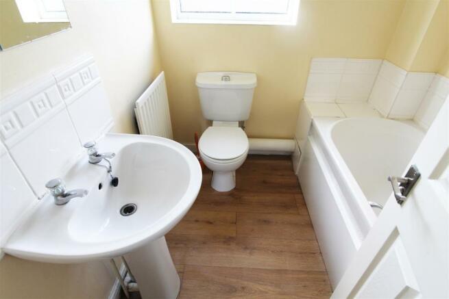 buttershaw drive bathroom.jpg