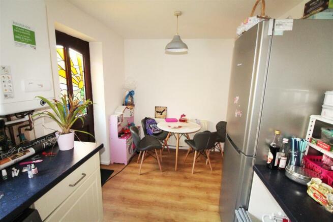 Bell house avenue kitchen2.jpg