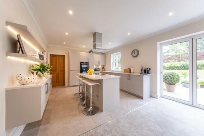 4 bedroom house for sale in 4 bedroom House Detached in Bunbury, CW6