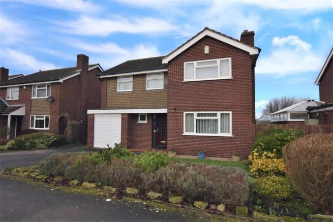 4 bedroom detached house for sale in Newbold Way ...