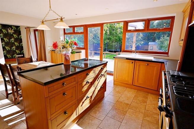 Parrotts Grove Kitchen