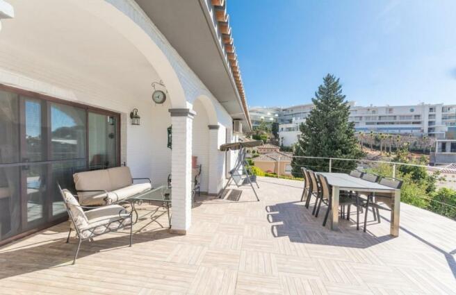 Porch & terrace