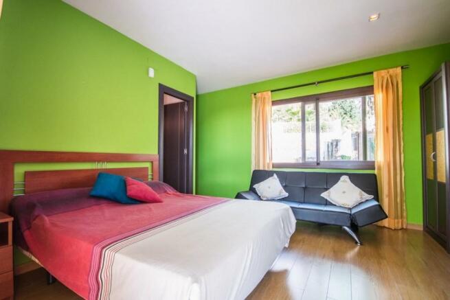 2nd bedroom1