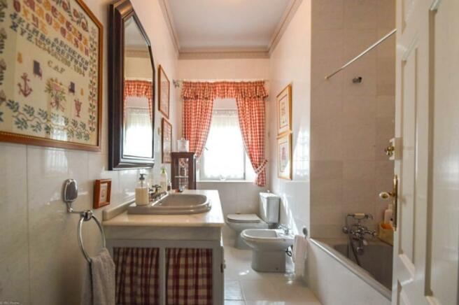Bathroom n5