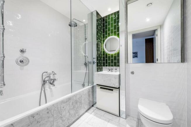 Bathroom. jpg.jpg